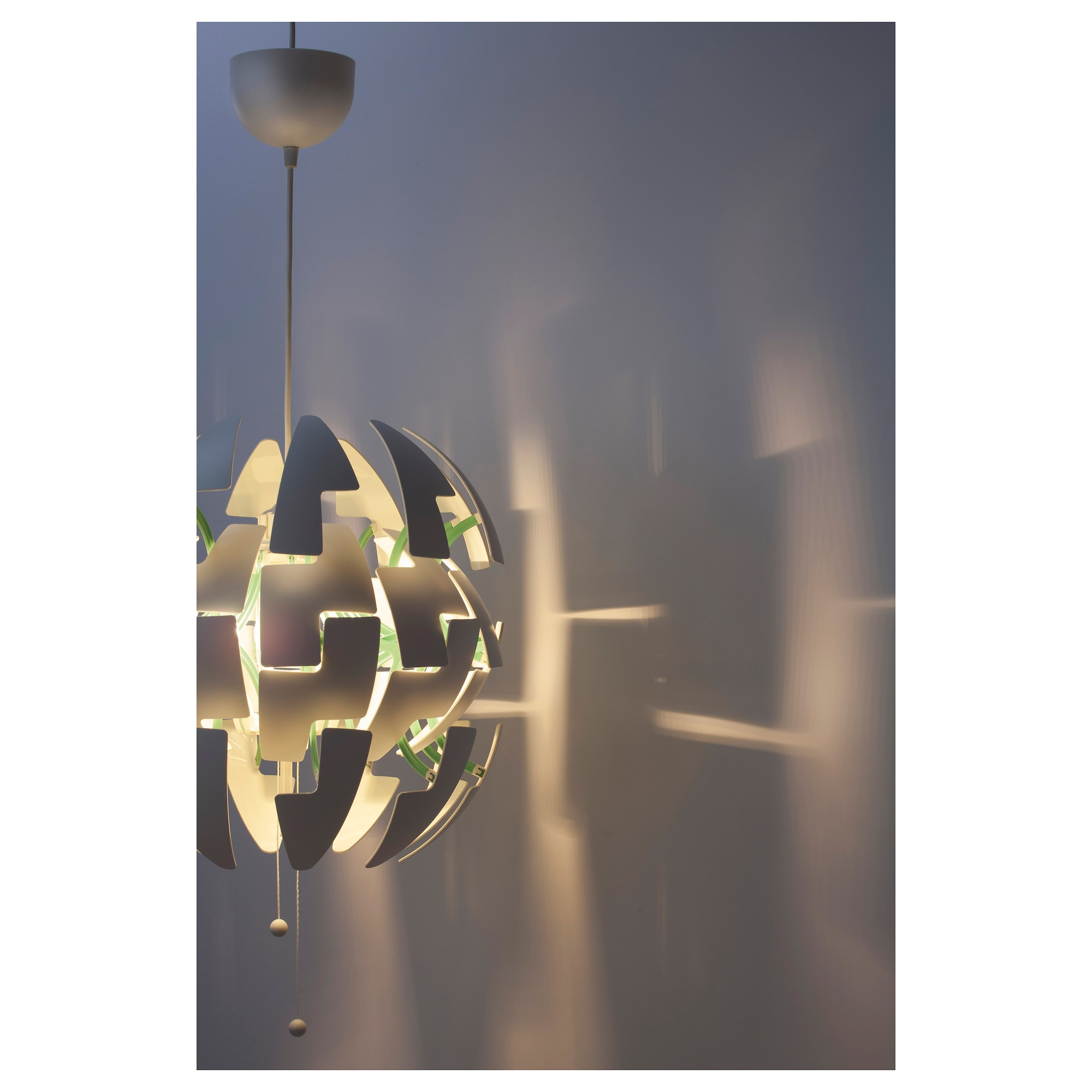 Lustre suspension ikea beautiful lustre suspension design for Suspension boule noire