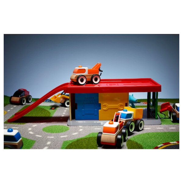 Garage With Tow Truck Lillabo