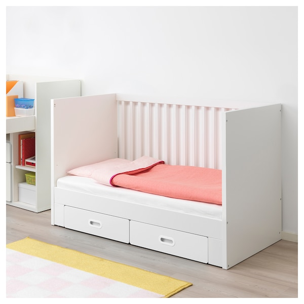 stuva fritids babybett mit schubf chern wei ikea. Black Bedroom Furniture Sets. Home Design Ideas