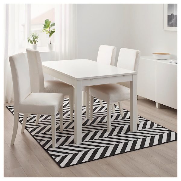 skarrild tapis tiss plat int ext rieur blanc noir ikea. Black Bedroom Furniture Sets. Home Design Ideas