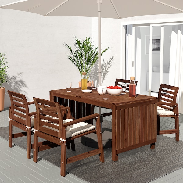ÄPPLARÖ طاولة+4كراسي بمساند ذراعين،خارجية, صباغ بني/Kuddarna بيج