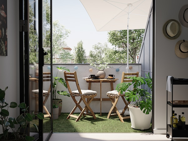 ASKHOLMEN Table f wall+2 fold chairs, outdoor, grey-brown stained/Kuddarna grey