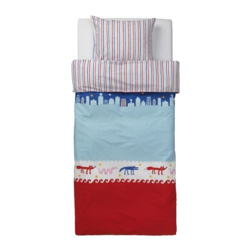 BARNSLIG NATTLIV Quilt cover and pillowcase IKEA Reversible; contrasting sides.