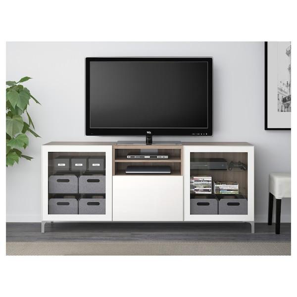 BESTÅ منصة تلفزيون مع أدراج, مظهر الجوز مصبوغ رمادي/Selsviken لامع/زجاج شفاف أبيض, 180x40x74 سم