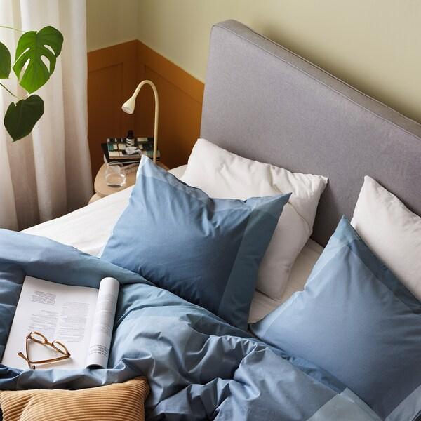 BRUNKRISSLA غطاء لحاف و ٢ غطاء مخدة, أزرق فاتح, 240x220/50x80 سم