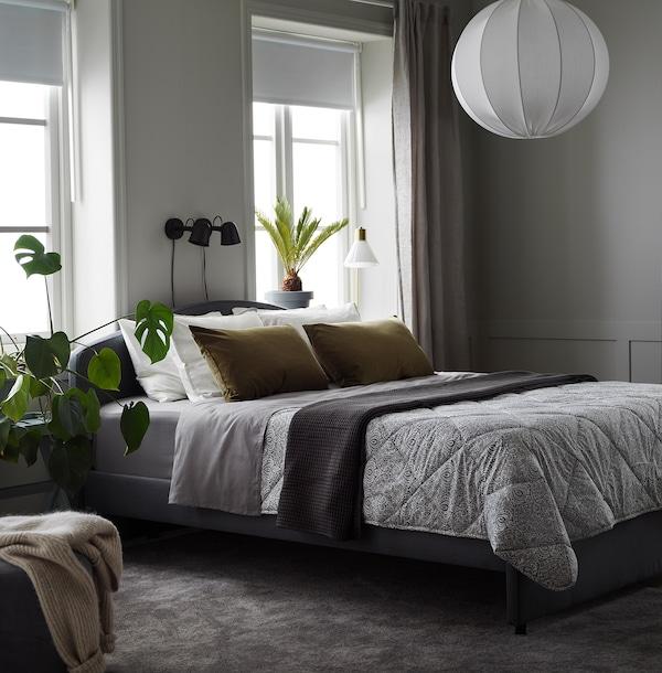 LÅGBJÖRK Duvet, light warm, dark grey/white, 240x220 cm