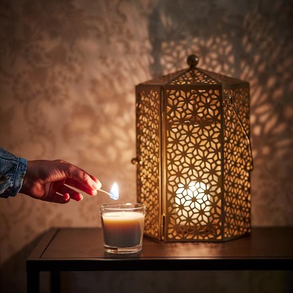 LJUVARE شمعة معطرة في كأس, العود/بيج فاتح, 7.5 سم