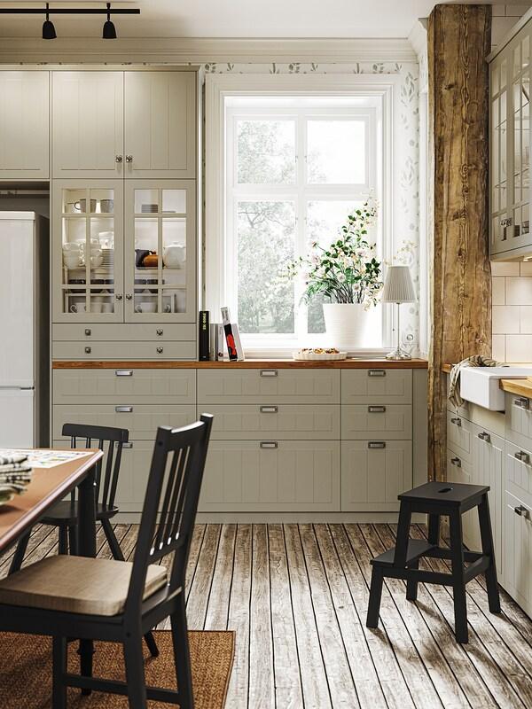 METOD خزانة حائط أفقية مع بابين زجاجية, أبيض/Stensund بيج, 80x80 سم
