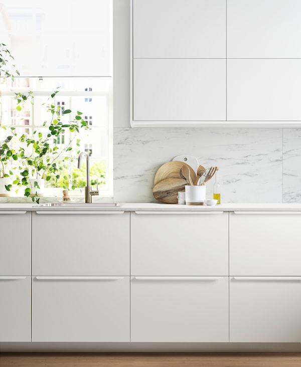 METOD خزانة حائط أفقية مع بابين زجاجية, أبيض/Veddinge أبيض, 80x80 سم