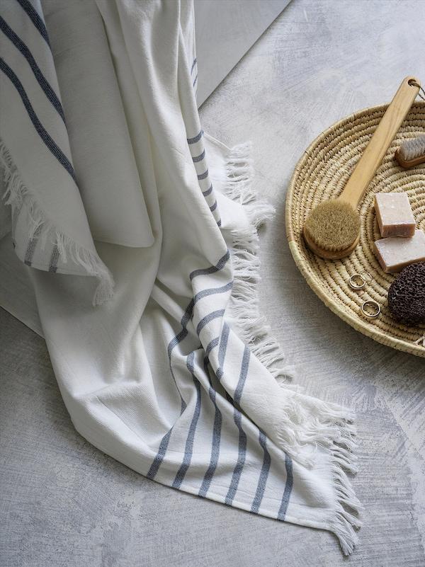 SIESJÖN منشفة حمّام, أبيض/أزرق شريط, 100x150 سم