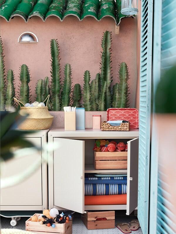 KOLBJÖRN Schrank drinnen/draußen, beige, 80x81 cm