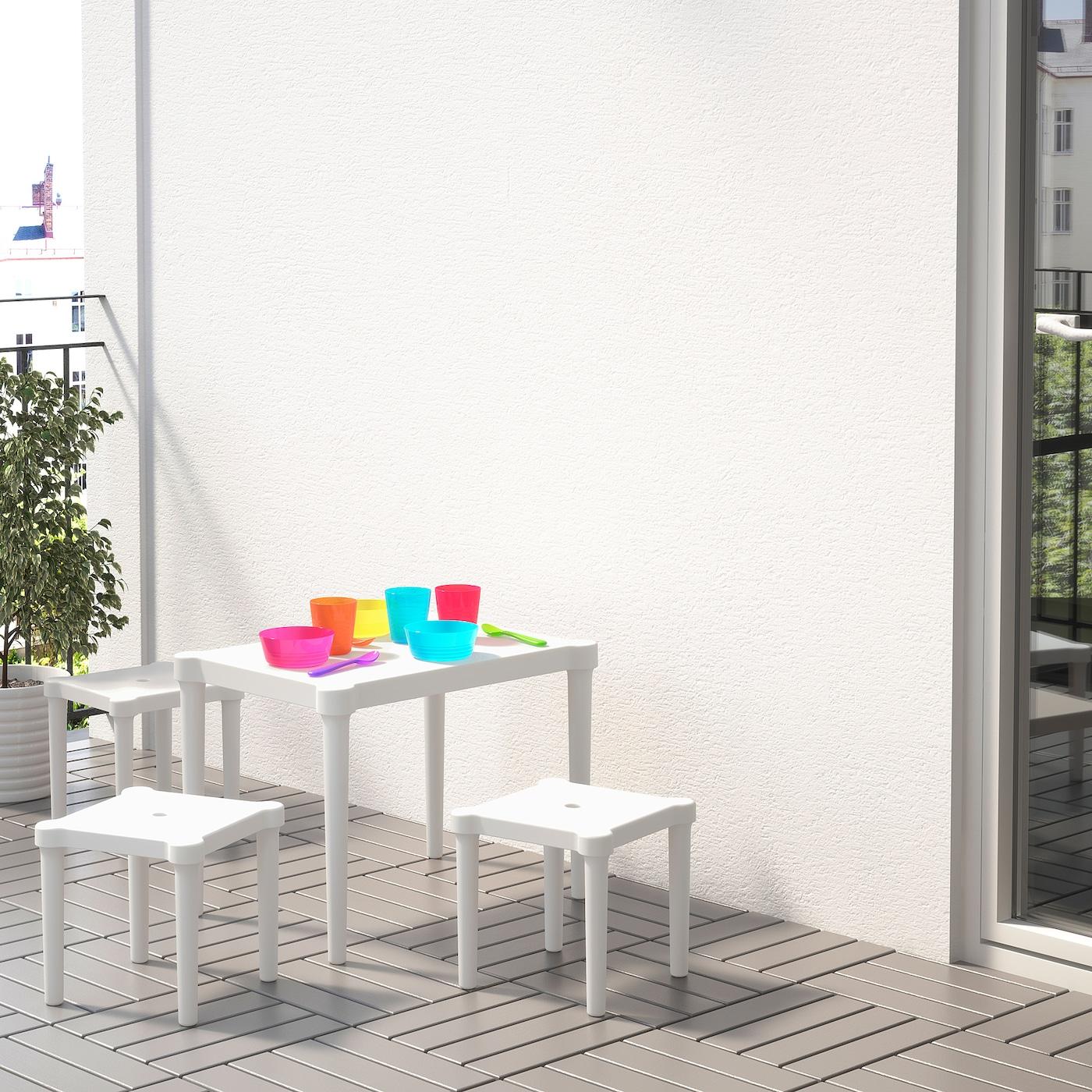 IKEA UTTER Kindertisch in weiß; stapelbar; für drinnen und draußen