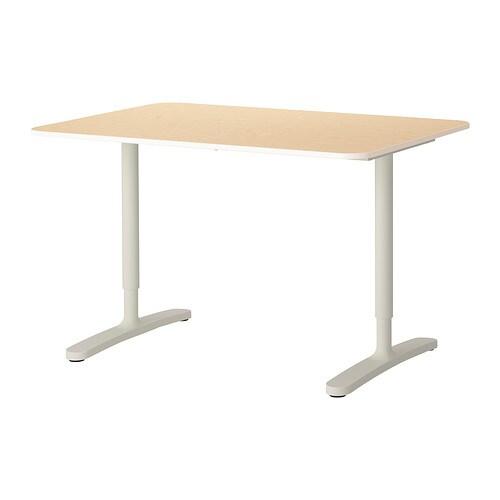 Bekant desk birch veneer white ikea for Bureau qui monte