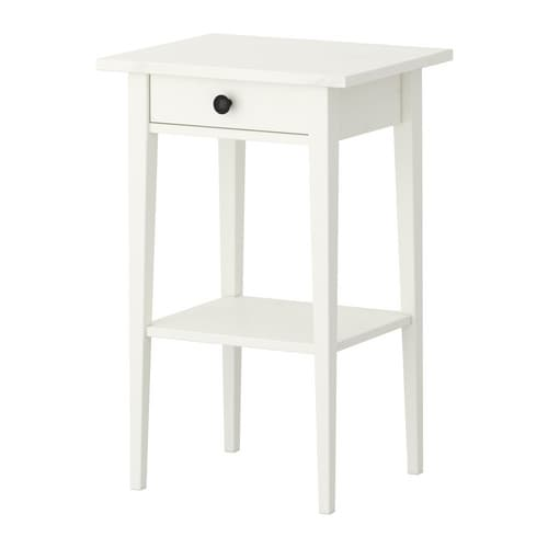 Hemnes bedside table white stain ikea for Mini table de chevet