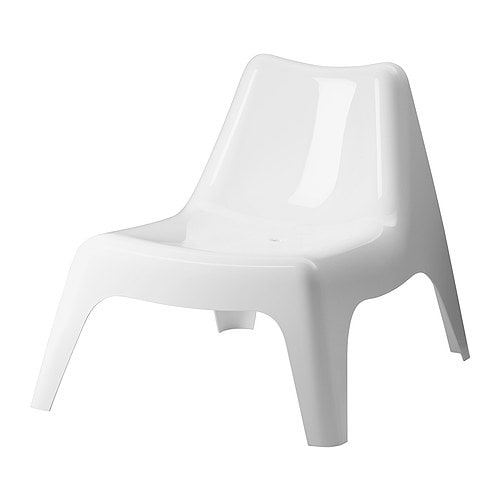 Ikea ps v g easy chair outdoor white ikea for Chaise pour piscine