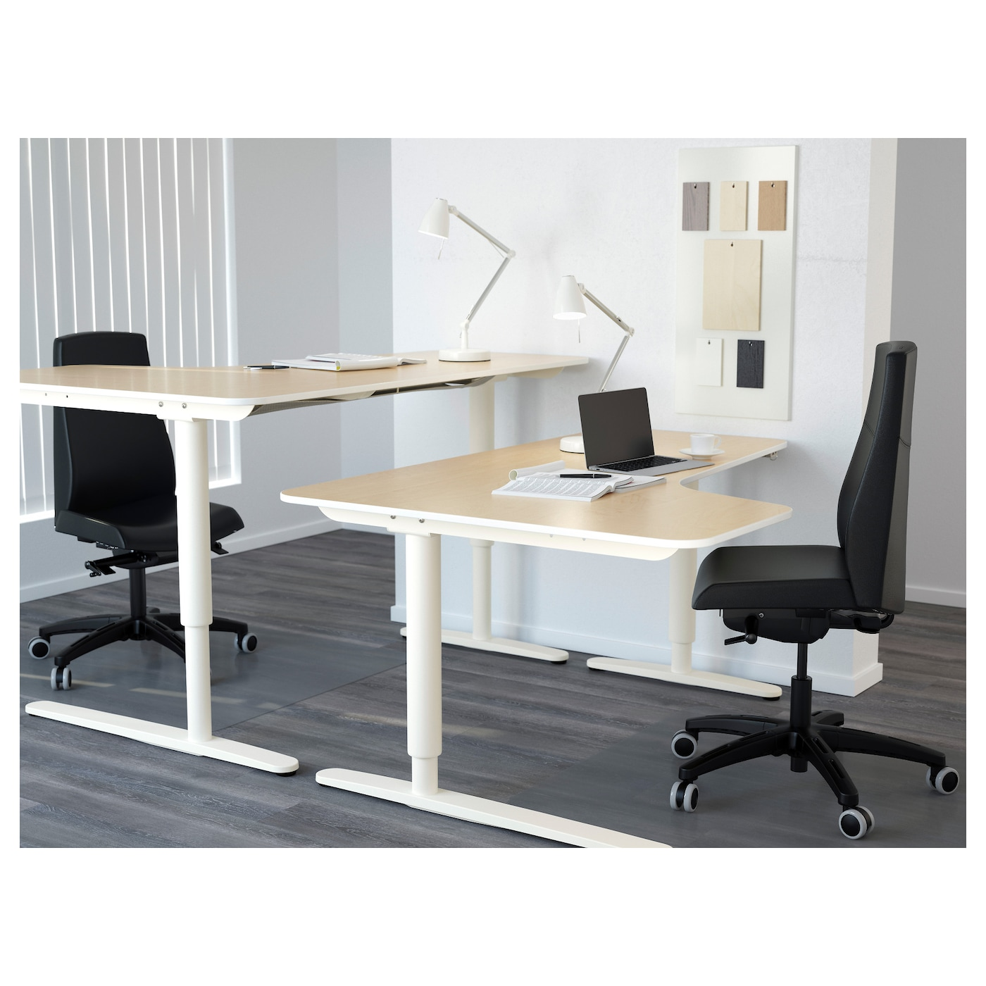 bekant bureau d 39 angle dr assis debout plaqu bouleau blanc 160x110 cm ikea. Black Bedroom Furniture Sets. Home Design Ideas