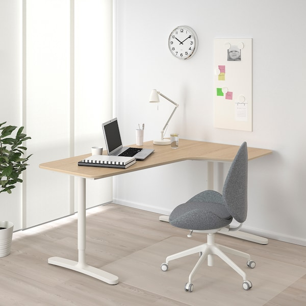 BEKANT Bureau d'angle droit, plaqué chêne blanchi/blanc, 160x110 cm
