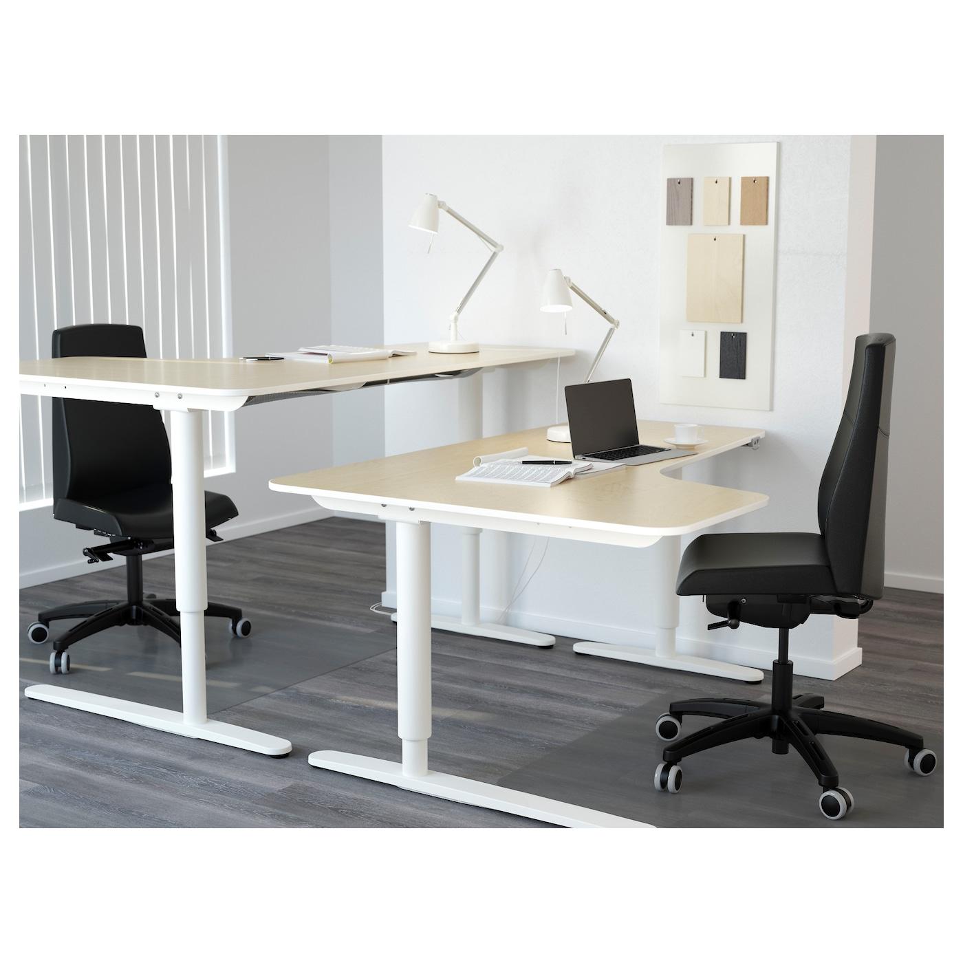 bekant bureau d 39 angle gch assis debout plaqu bouleau blanc 160x110 cm ikea. Black Bedroom Furniture Sets. Home Design Ideas