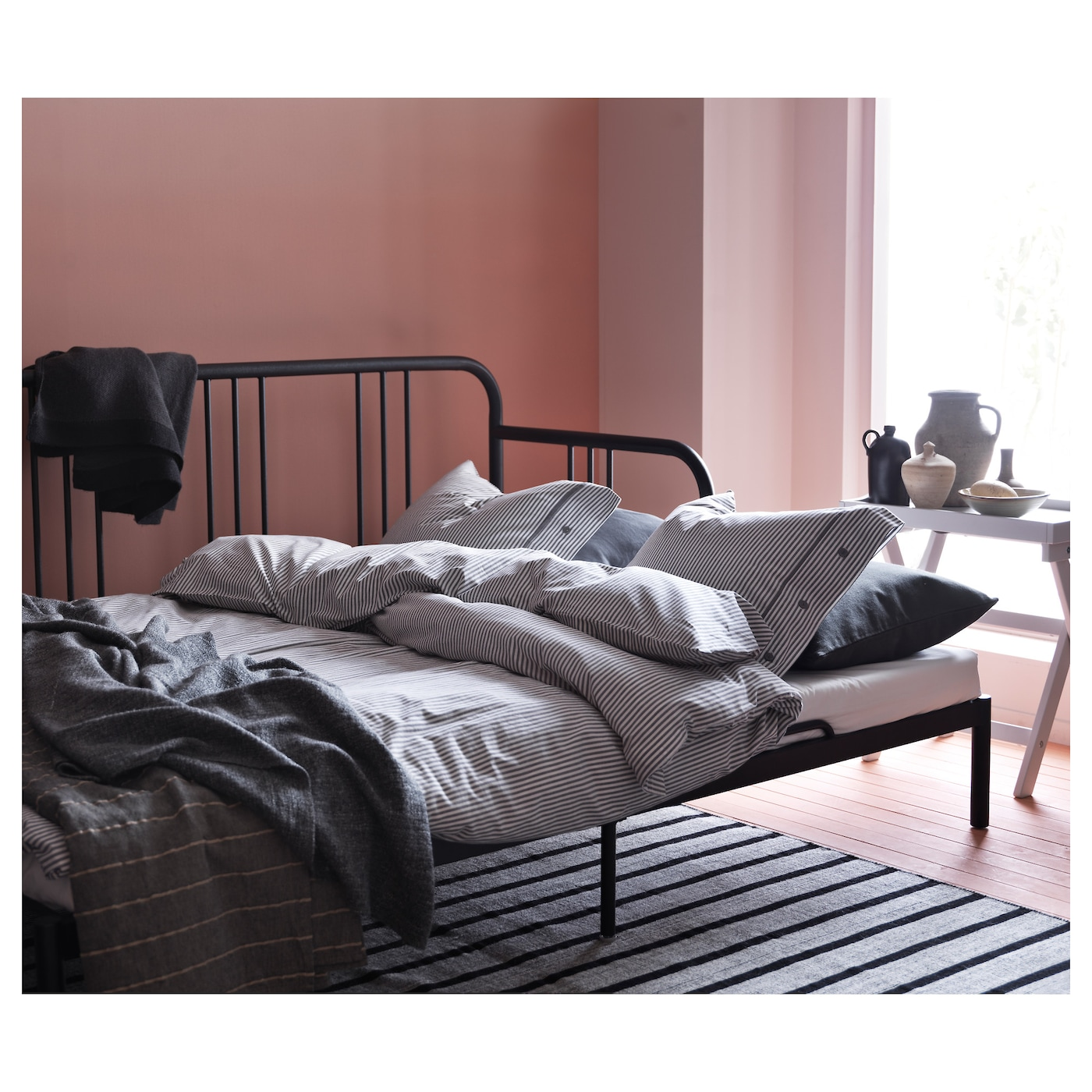 fyresdal divan avec 2 matelas noir malfors mi ferme 80x200 cm ikea. Black Bedroom Furniture Sets. Home Design Ideas