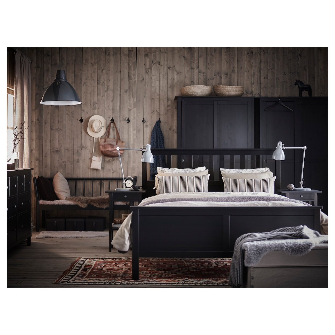 hemnes cadre de lit brun noir leirsund 160x200 cm ikea. Black Bedroom Furniture Sets. Home Design Ideas