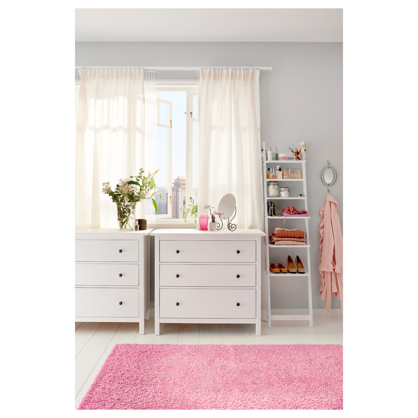 hemnes commode 3 tiroirs teint blanc 108 x 96 cm ikea. Black Bedroom Furniture Sets. Home Design Ideas