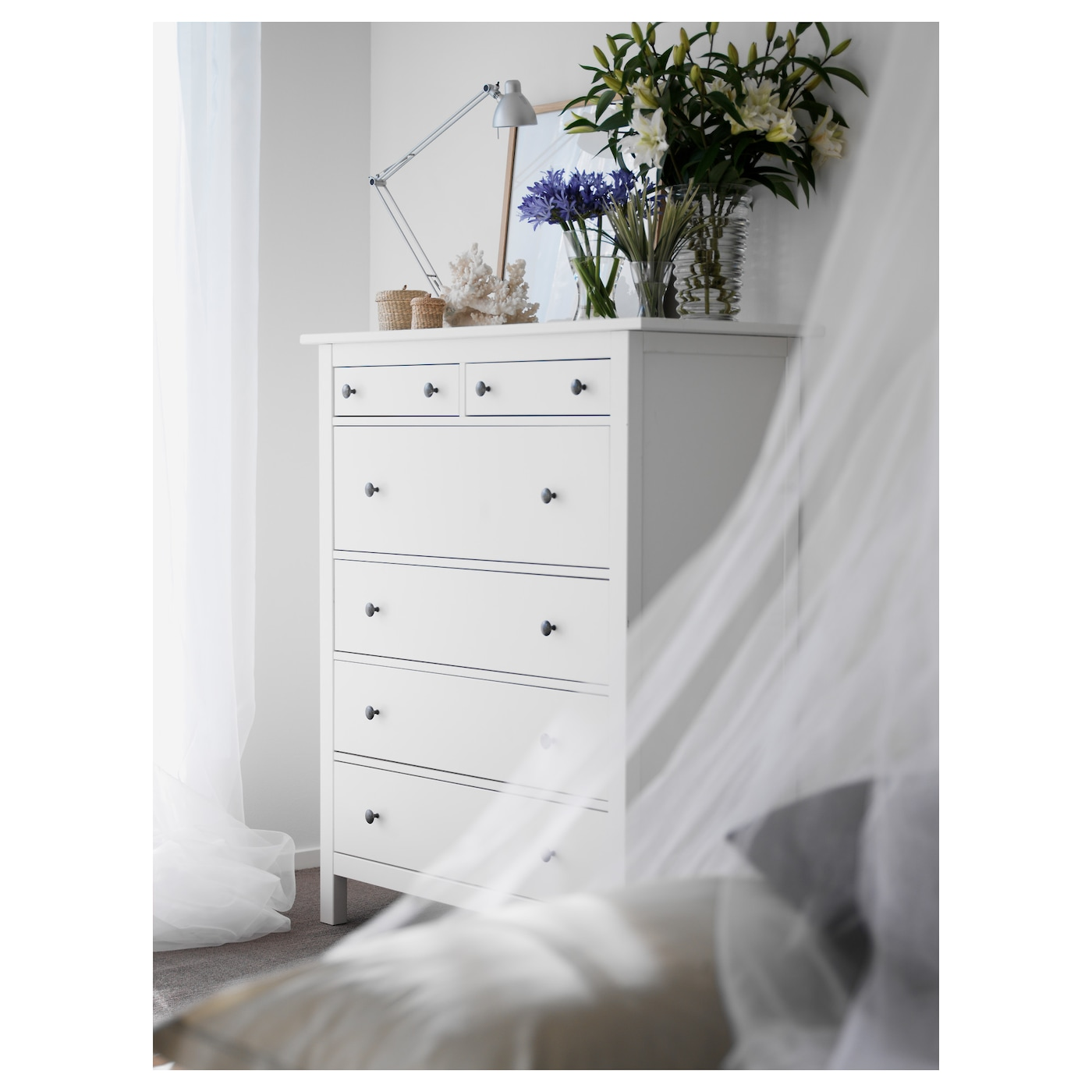 hemnes commode 6 tiroirs teint blanc 108 x 131 cm ikea. Black Bedroom Furniture Sets. Home Design Ideas