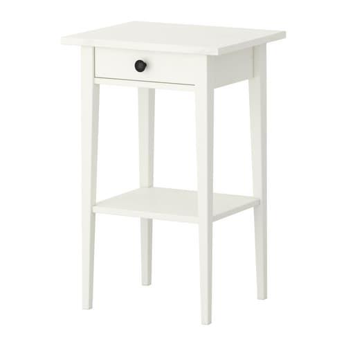 Hemnes table de chevet teint blanc ikea - Table de chevet jaune ...