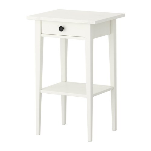 Hemnes table de chevet teint blanc ikea for Table de chevet