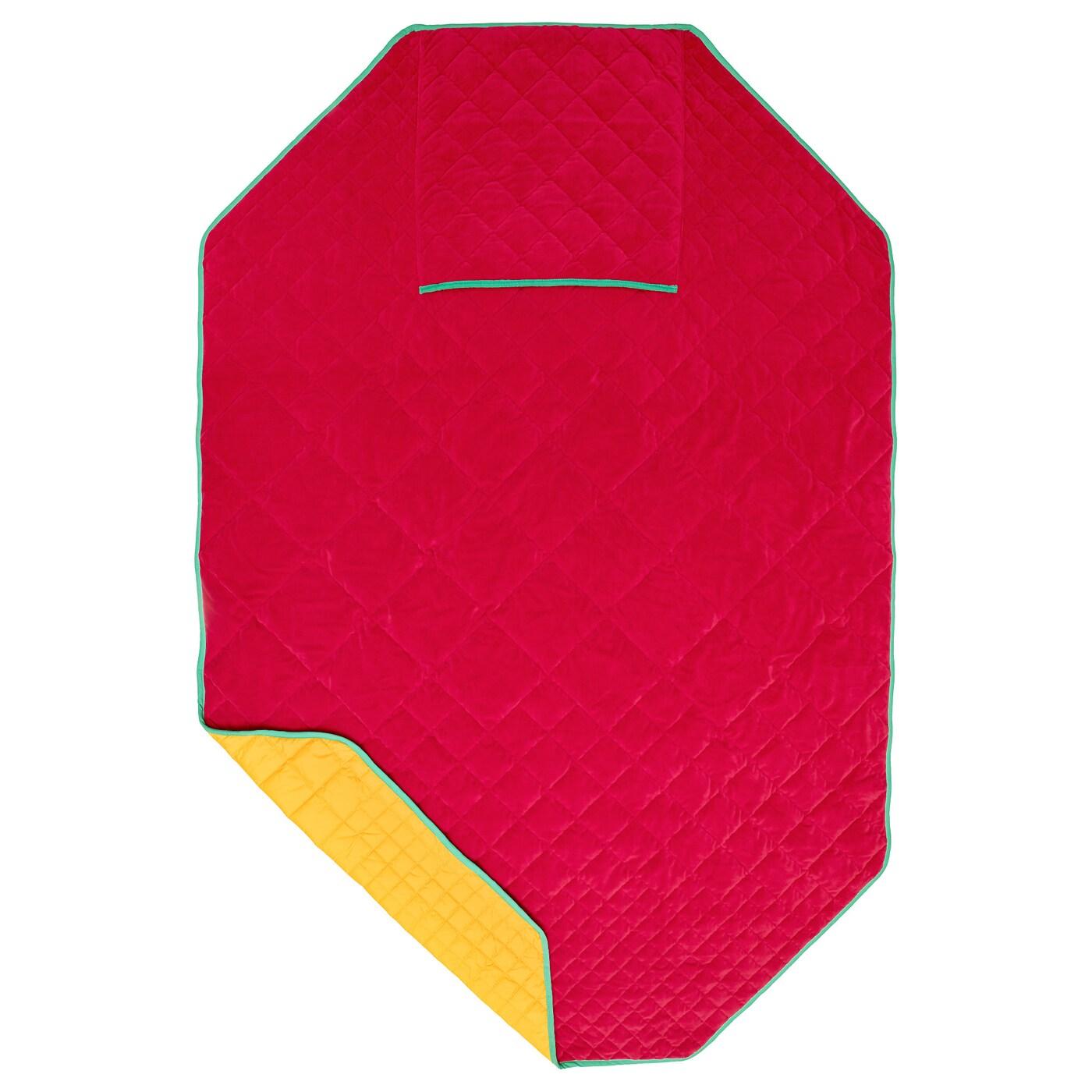 Ikea ps 2017 plaid avec housse de coussin rouge jaune ikea for Housse de coussin rouge