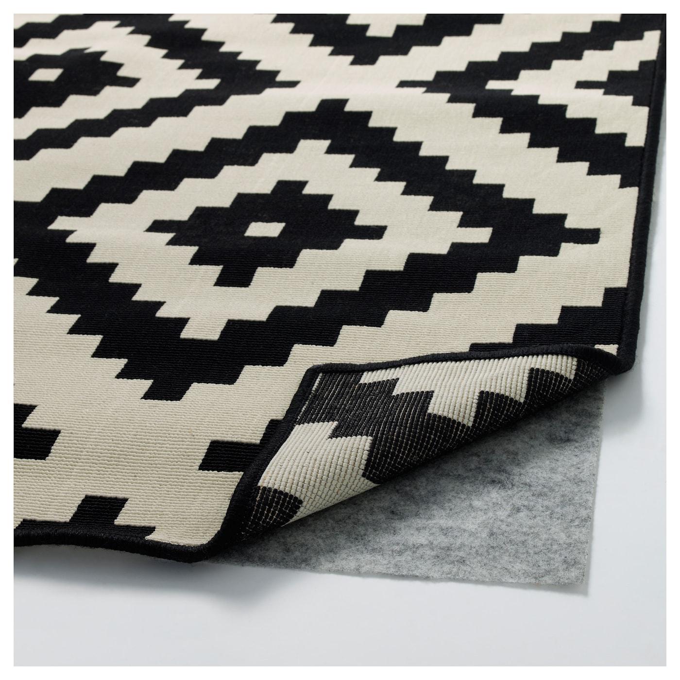 lappljung ruta tapis poils ras blanc noir 200 x 300 cm ikea. Black Bedroom Furniture Sets. Home Design Ideas