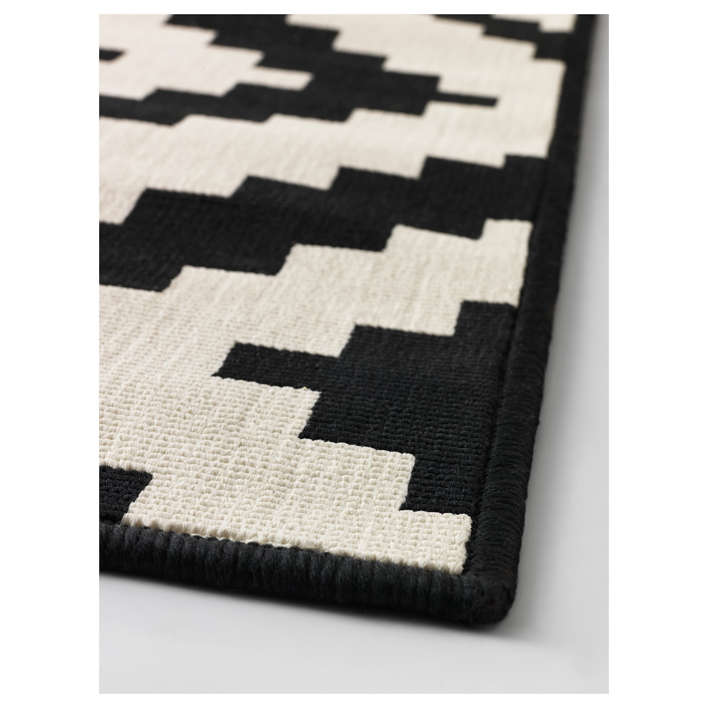 lappljung ruta tapis poils ras blanc noir 200 x 300 cm ikea. Black Bedroom Furniture Sets. Home Design Ideas