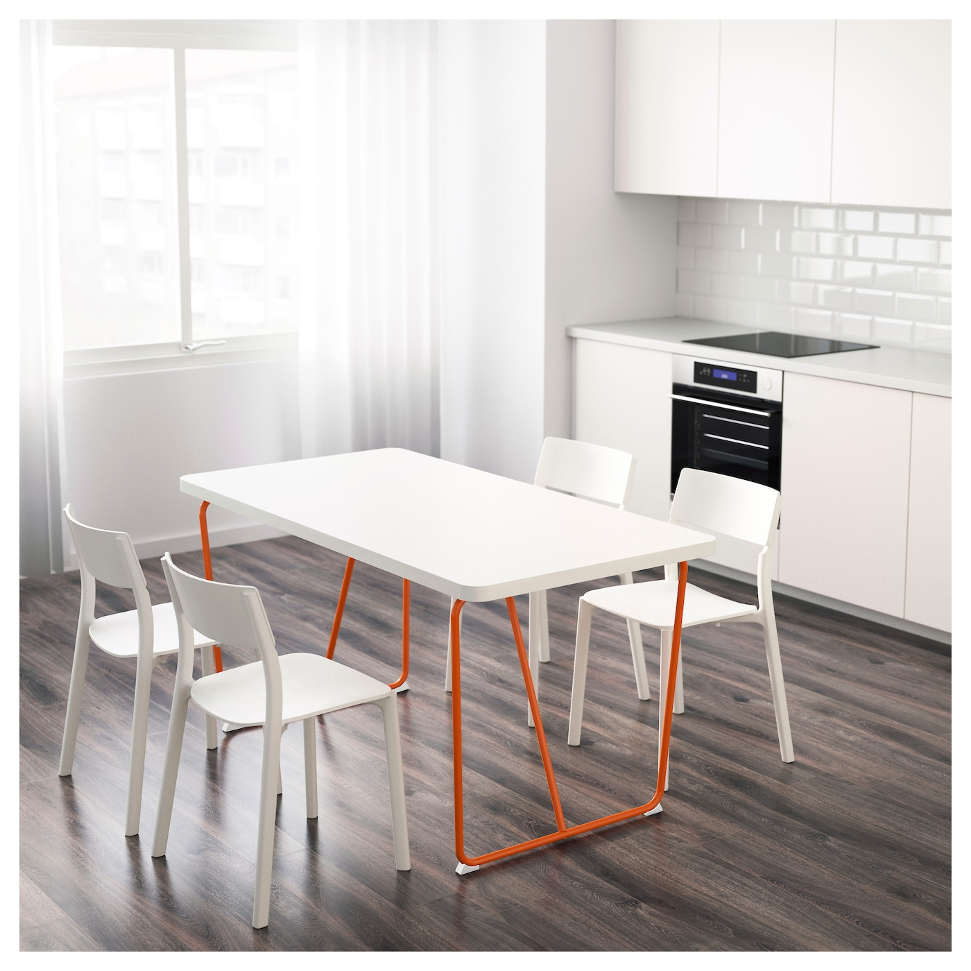 IKEA RYDEBÄCK table La surface vernie est facile à nettoyer.