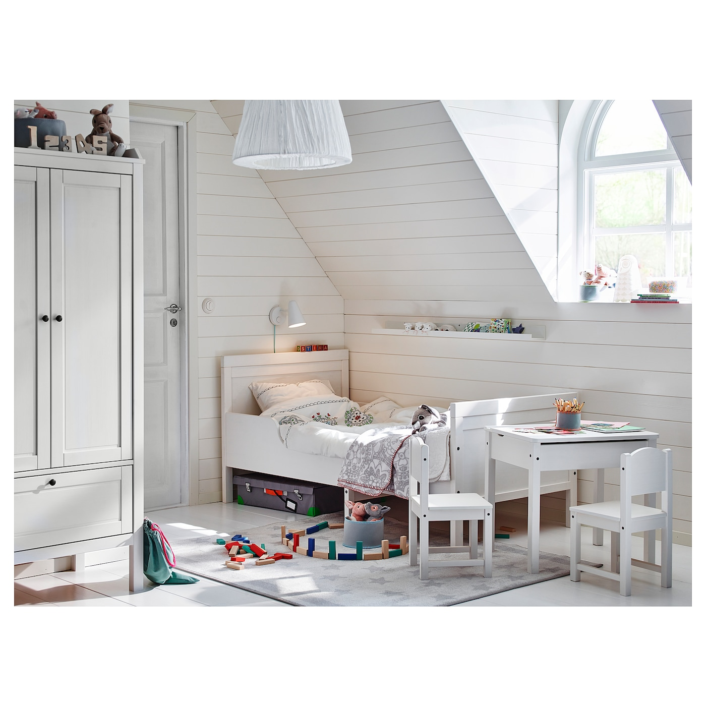 IKEA SUNDVIK table enfant
