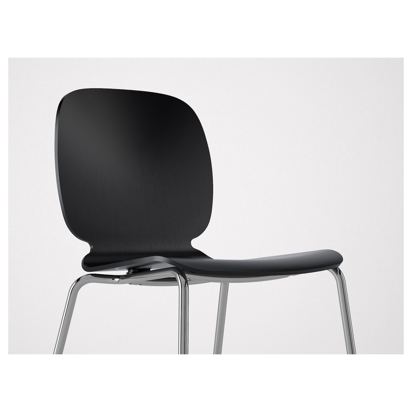 Svenbertil chaise noir broringe chrom ikea for Chaise assis genoux ikea