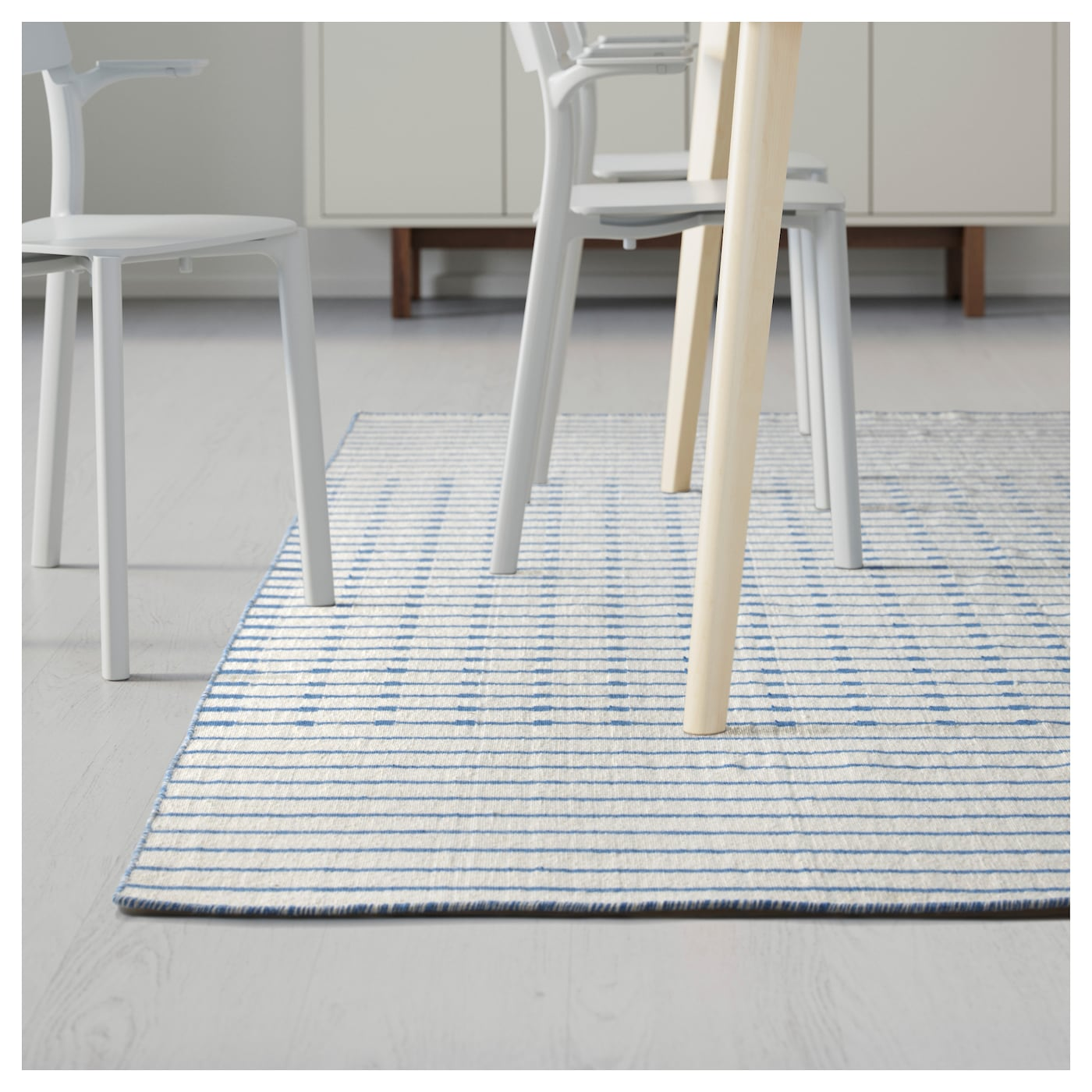 tj reby tapis tiss plat fait main bleu 170x240 cm ikea. Black Bedroom Furniture Sets. Home Design Ideas