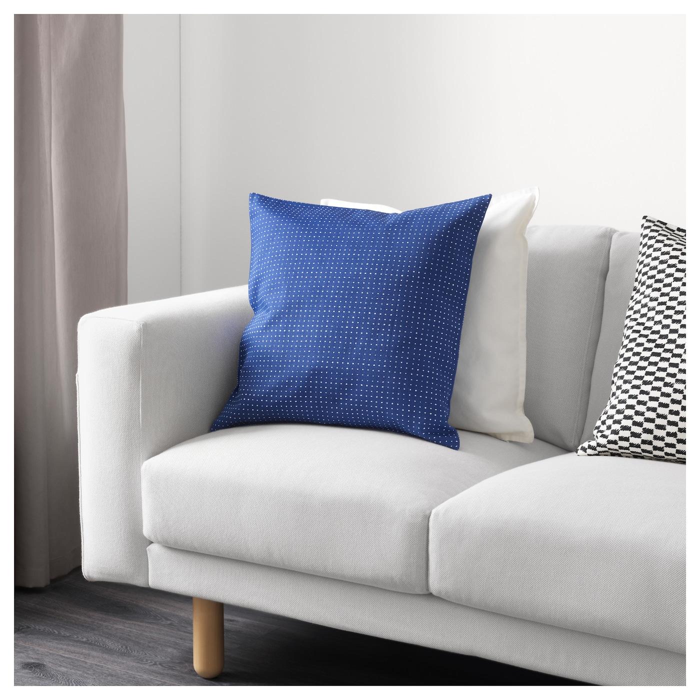 ypperlig housse de coussin bleu pois 50 x 50 cm ikea. Black Bedroom Furniture Sets. Home Design Ideas