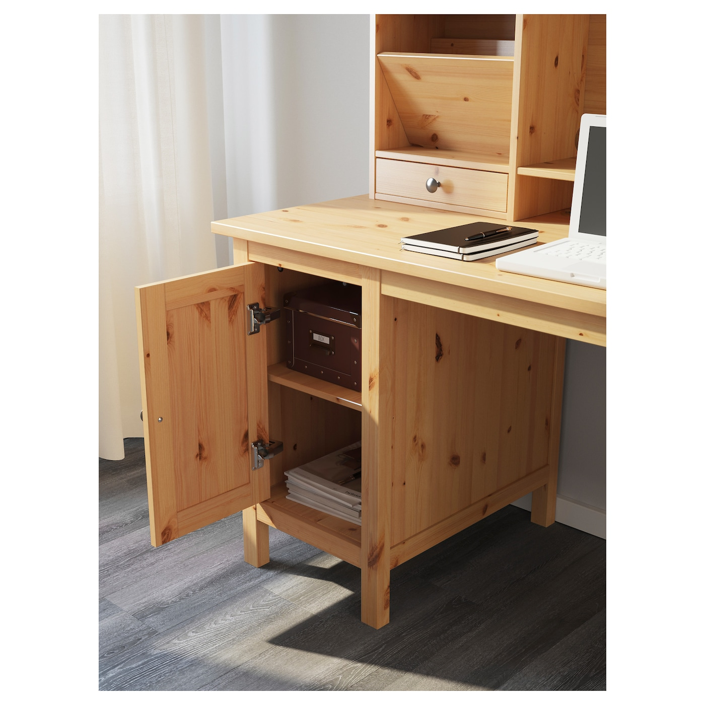 hemnes bureau met opbouwdeel lichtbruin 155x137 cm ikea. Black Bedroom Furniture Sets. Home Design Ideas
