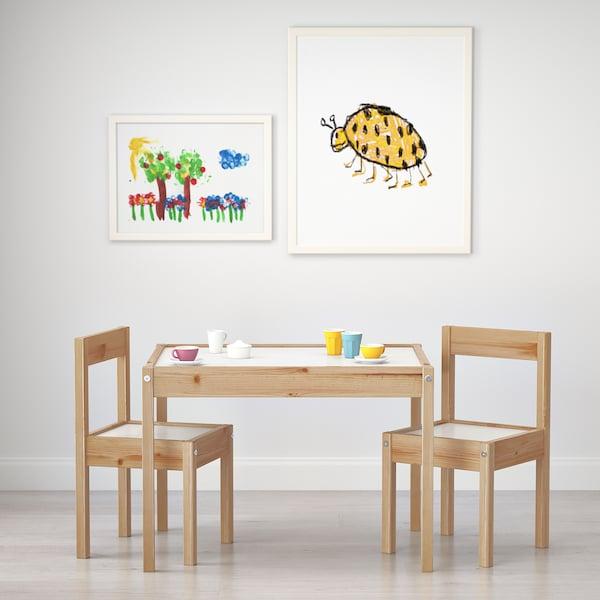 LÄTT Kindertafel met 2 stoelen, wit/grenen