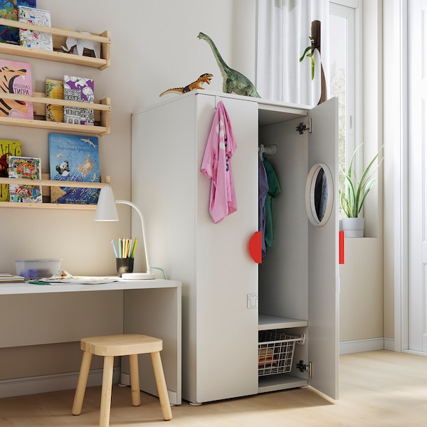 SMÅSTAD / PLATSA خزانة ملابس, أبيض/أخضر, 60x57x123 سم