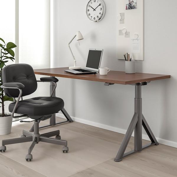 """IDÅSEN Desk sit/stand, brown/dark gray, 63x31 1/2 """""""