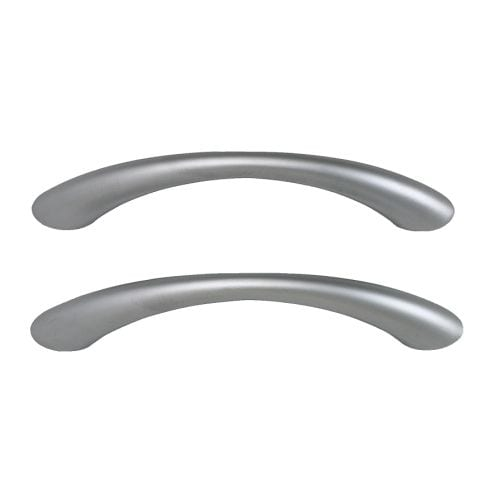TAG Handle   These clean and simple chrome-plated handles give a good grip and add a modern look to your kitchen.