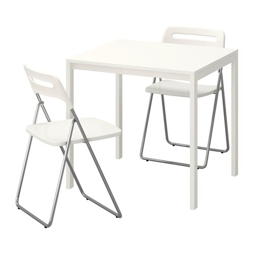 melltorp nisse table et 2 chaises pliantes ikea. Black Bedroom Furniture Sets. Home Design Ideas