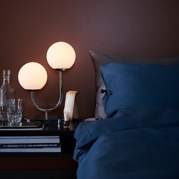 "SIMRISHAMN Lampe de table, chromé/opalin verre, 17 """