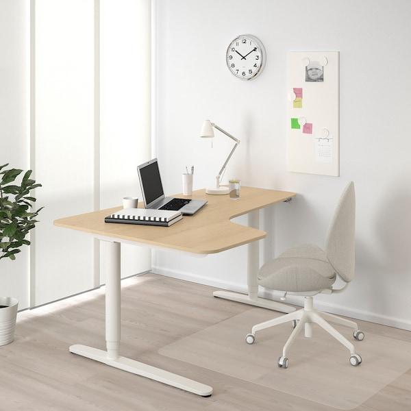 BEKANT Ecktisch links sitz-/steh, Eichenfurnier weiß lasiert/weiß, 160x110 cm