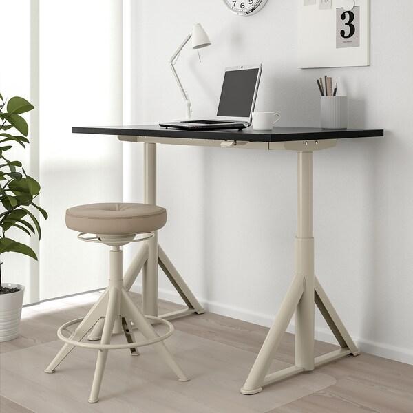 IDÅSEN Schreibtisch sitz/steh, schwarz/beige, 120x70 cm