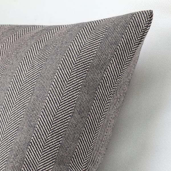 SAGALOVISA Kissen, schwarz/naturfarben, 30x58 cm