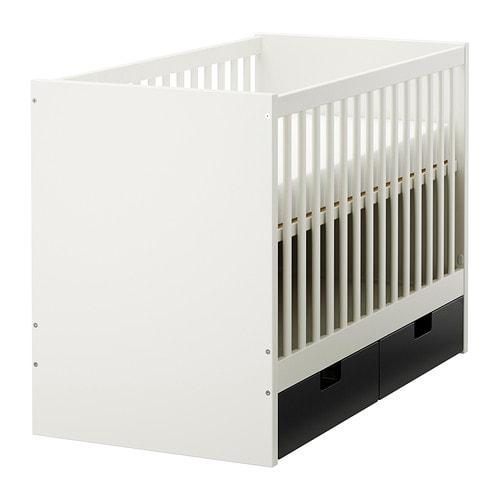 Ikea Aufbewahrungssysteme Kinderzimmer ~ STUVA Babybett mit Schubfächern Der Bettboden kann in zwei Höhen