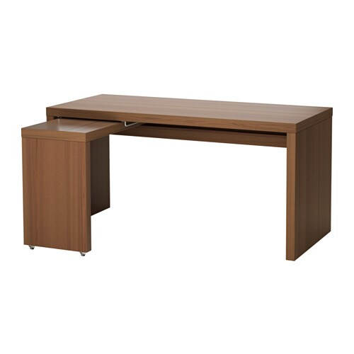 malm bureau avec tablette coulissante teint brun plaqu fr ne ikea. Black Bedroom Furniture Sets. Home Design Ideas
