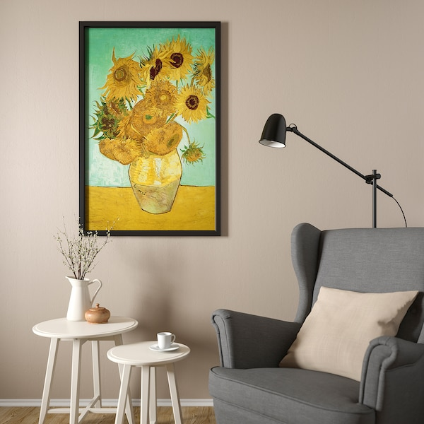 BJÖRKSTA Canvas con cornice, natura morta/Vaso con dodici girasoli nero, 78x118 cm