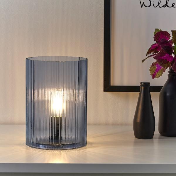 MIKROKLIN Lampada da tavolo, vetro blu, 22 cm